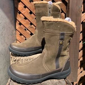 Clarks Olive Boots